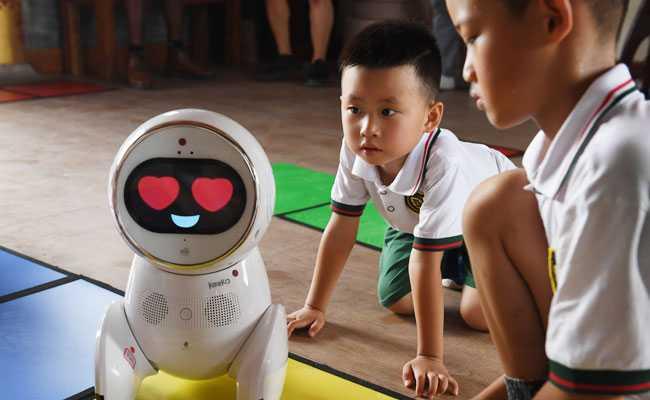 Robot Teacher 'Keeko' Invades Chinese Kindergartens
