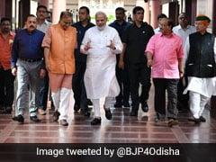 केंद्र सरकार ने संसद सत्र को लेकर कांग्रेस से मांगी मदद, तीन मंत्रियों ने की गुलाम नबी आजाद से मुलाकात