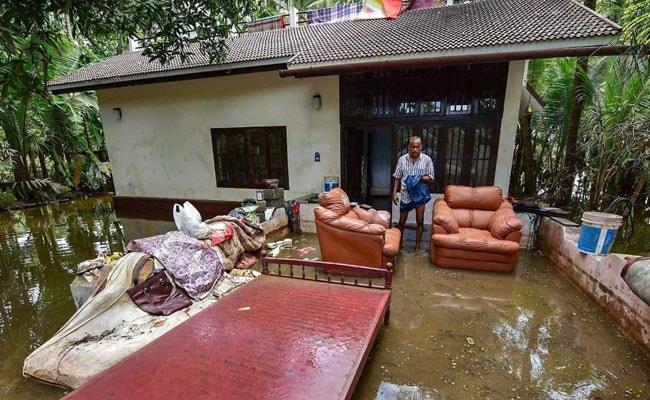 केरल में बाढ़ के बाद अब दूसरी मुसीबतों ने घेरा, 13 लाख लोगों के सामने अनिश्चय की स्थिति, 16 राज्यों में तेज बारिश की चेतावनी
