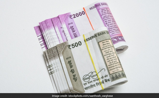 Seven-Year-Old Finds Rs 50,000 And Hands It Over, Rewarded For Honesty