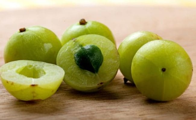 Skin Care Tips | Amla And Honey Juice For Flawless Skin | khubsurat twacha kaise paye
