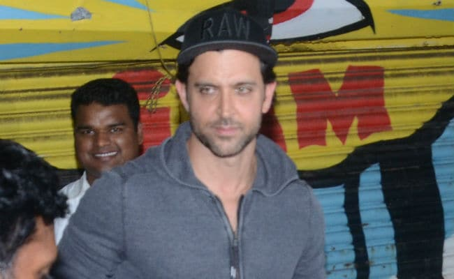 Hrithik Roshan Flirting With Disha Patani: Actress Posts Statement!