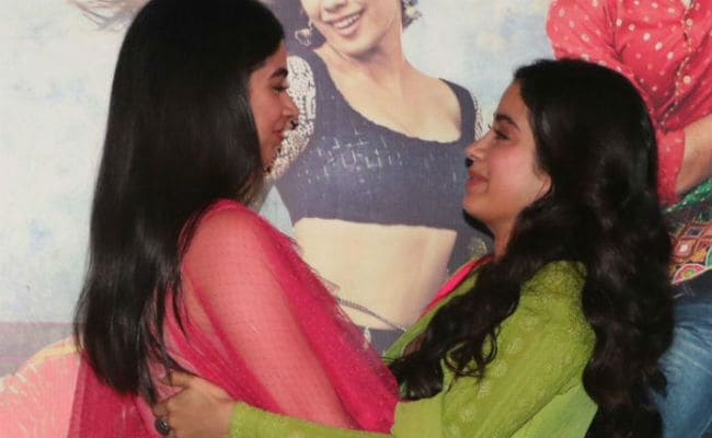 Trending: Janhvi Kapoor's Dhadak Day Made Special By Sister Khushi's Zingaat Moves