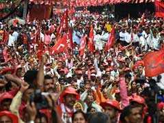 Demanding Loan Waiver And Minimum Wage, Farmers March In Delhi
