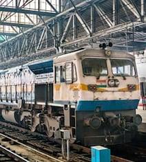 Railway Jobs 2018: रेलवे ने 12वीं पास के लिए निकाली एक और वैकेंसी, इतनी होगी सैलरी