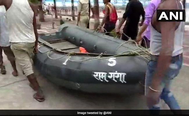 यूपी के बिजनौर में गंगा में नाव पलटी, 14 लोग बचाए गए, 27 लोग थे सवार