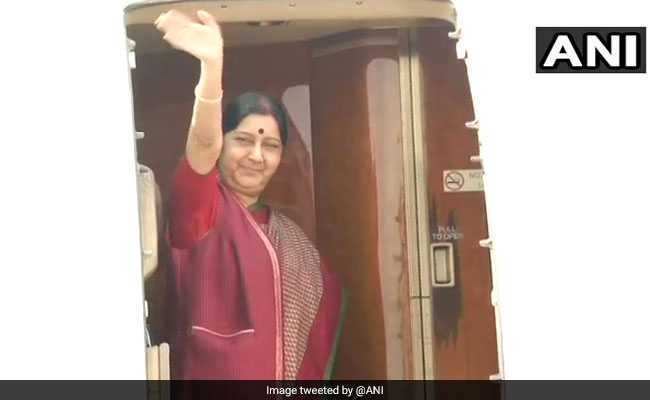 Sushma Swaraj Arrives In Vietnam To Deepen Strategic Cooperation