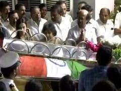 Rajinikanth, E Palaniswami Pay Last Respects To Karunanidhi In Chennai