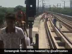 Delhi Metro Services Stopped For Hours On Rakhi, People Walk On Tracks
