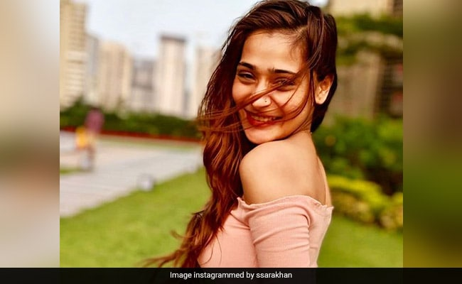 Sara Khan Ended Up In A Dubai Hospital With Food Poisoning On Her Birthday