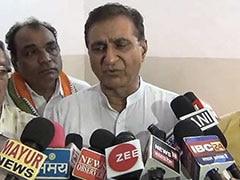 कांग्रेस कार्यकर्ताओं में जमकर मारपीट, पार्टी महासचिव ने कहा- RSS से सीखें अनुशासन, देखें- VIDEO