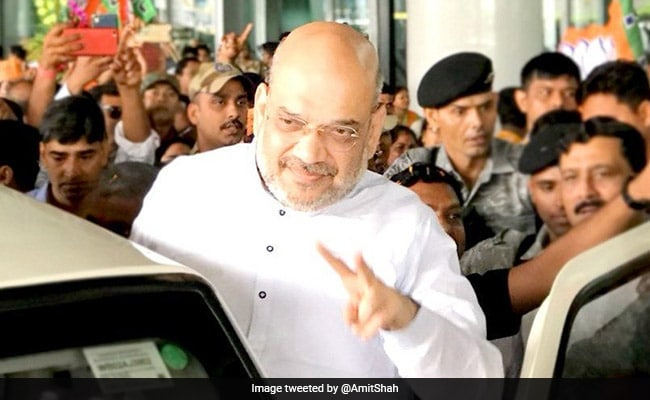 As Amit Shah Arrives In Kolkata, Congress Workers Hold Black Flag Protest