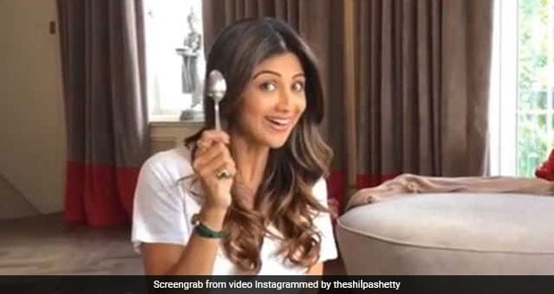 Eat Healthy On A Holiday: Shilpa Shetty Kundra Shows Us How!