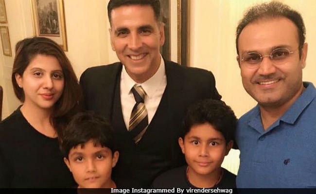 Gold star Akshay Kumar pays 'Golden Tribute' to India's first hockey win
