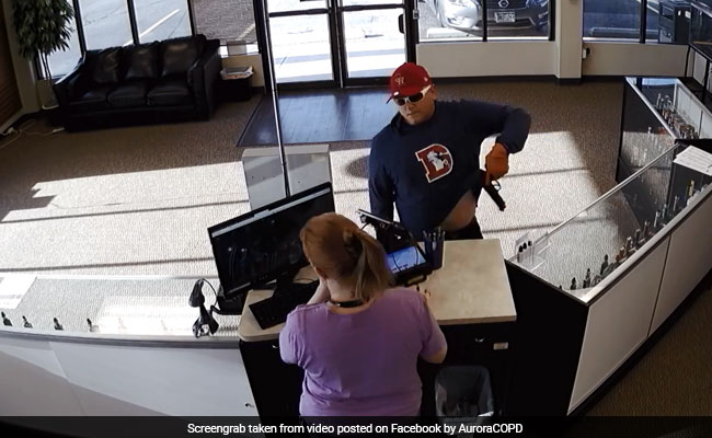 Fumbling Criminal Drops His Gun - And Pants - During Colorado Robbery Attempt