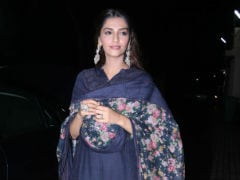 <i>Dhadak</i>: Sonam, Shanaya, Ananya Panday Watch Janhvi And Ishaan's Film With Kapoor Famjam