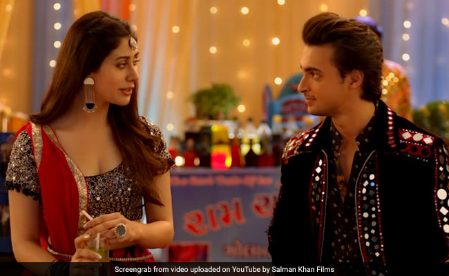 Loveratri Trailer: गरबा टीचर बने सलमान खान के जीजा, इस नवरात्रि इनके साथ करेंगे रोमांस