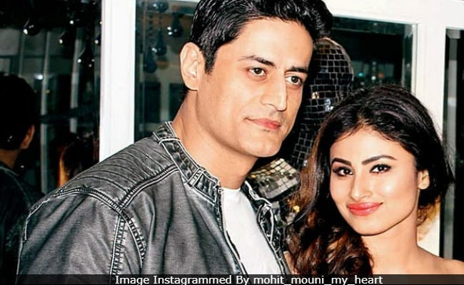 Mouni roy dating mohit raina, titfuck cum compilation