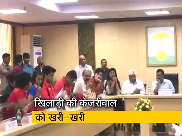 Videos : पहलवान दिव्या ने सीएम केजरीवाल को सुनाई खरी-खरी, कह दी बड़ी बात