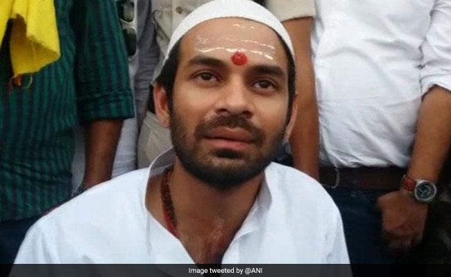 हथियार से लैस शख्स ने मेरा हाथ पकड़ा,  BJP मुझे मारने की साजिश रच रही है: तेज प्रताप यादव