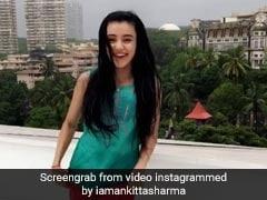 बारिश में पंजाबी सॉन्ग 'Saun Di Jhadi...' पर लगाए ठुमके, छत पर कुछ यूं किया धांसू डांस.. देखें Video