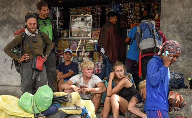Around 500 Hikers Stranded On Active Volcano After Indonesia Quake