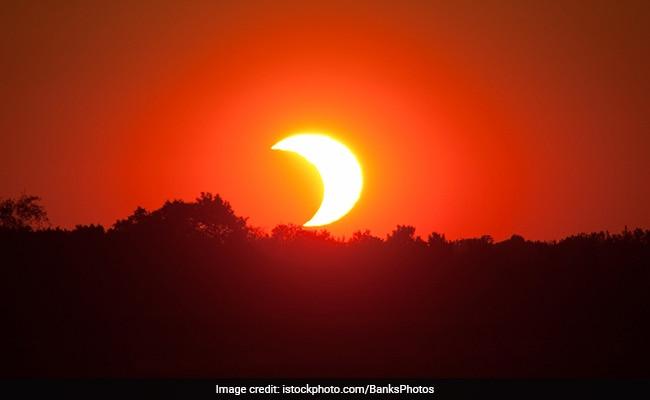 Surya Grahan: साल का आखिरी सूर्य ग्रहण आज, देखते वक्त बरतें ये सावधानियां
