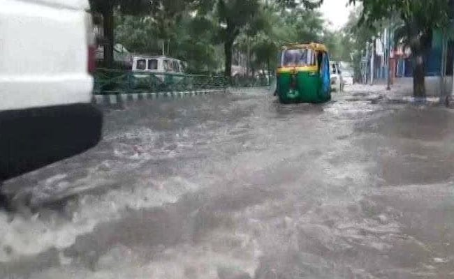 After Heavy Rain In Kolkata, People Face Tough Time Going To Work