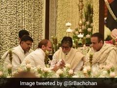 Amitabh Bachchan, Rishi Kapoor, Karisma Kapoor At Rajan Nanda's Prayer Meet. See Pics