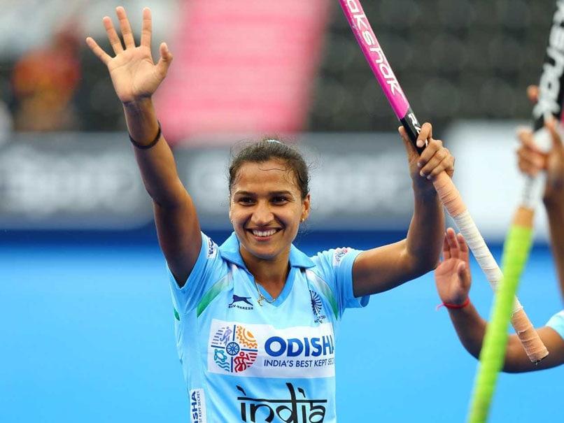 ஆசிய போட்டிகள்: ஹாக்கி போட்டியில் ஹாட்-ட்ரிக் கோல் அடித்த இந்திய வீராங்கனை