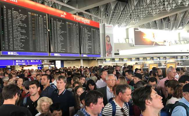 German Federal police evacuate part of Frankfurt Airport following security alert