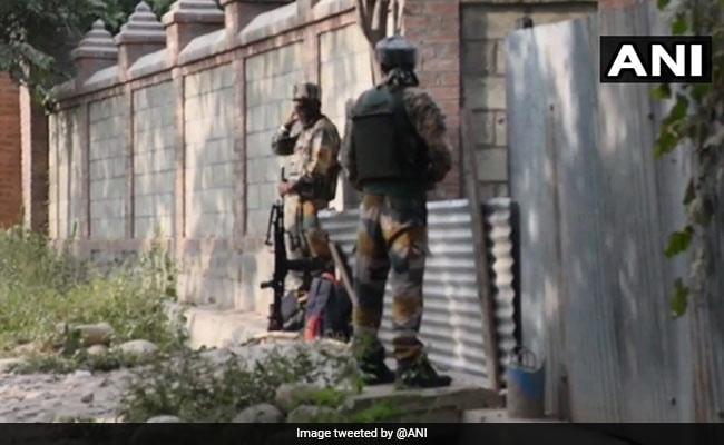 जम्मू-कश्मीर में सुरक्षा बलों से मुठभेड़ में मारे गए दो आतंकी