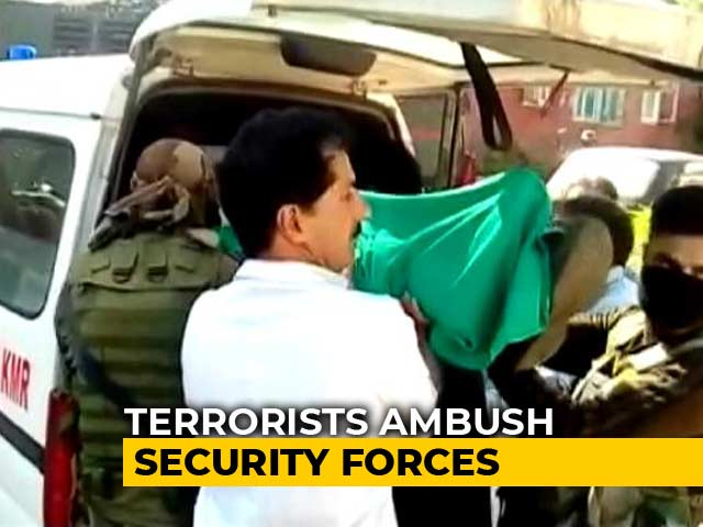 Video : 4 Policemen Killed In Terror Attack In Jammu And Kashmir's Shopian