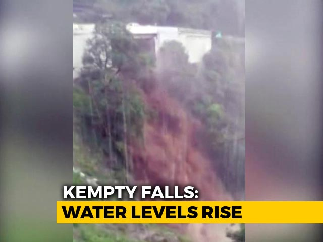 Video : Watch: Dramatic Surge In Kempty Falls Of Uttarakhand After Heavy Rain