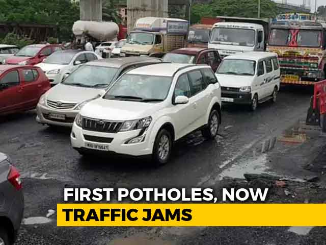 Video : Potholes Lead To 2-Km-Long Jam On Highway In Mumbai Suburbs