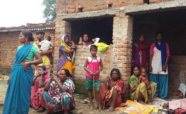 आधार के अभाव में झारखंड के आदिवासी परिवार राशन कार्ड से वंचित