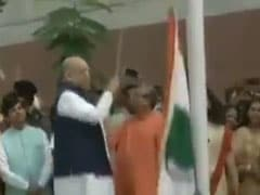 Congress Mocks Amit Shah Over Flag Incident, Tweets Video