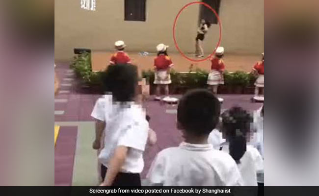 Chinese School Apologises For Welcoming Kids (And Shocked Parents) With Pole Dance