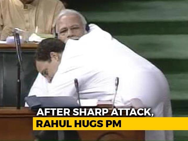 Video : Watch: Rahul Gandhi's Bear Hug And A Handshake For PM Modi