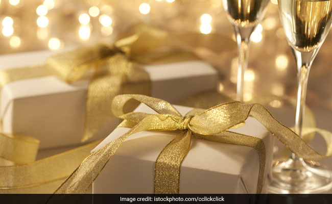 3 Offbeat Ideas For A Wedding Present The Friend About To Get Married