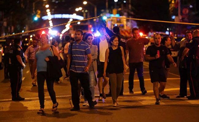 1 Killed In Toronto Shooting, Child Among Injured, Gunman Dead: Police