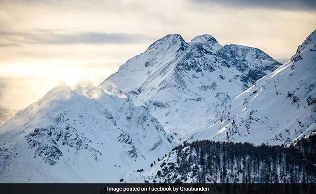 Alps plane crash: 20 feared dead after sightseeing flight smashes into mountain