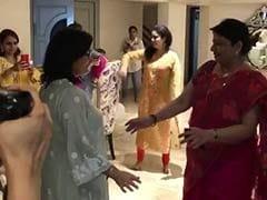 प्रियंका चोपड़ा की सास ने समधन के साथ लगाए ठुमके, Video हुआ वायरल