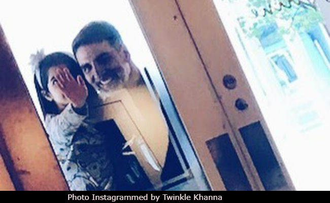 Twinkle Khanna Shares Photo Of Akshay Kumar With Daughter Nitara. Seen It Yet?