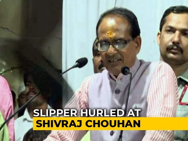 Video : Stones, Slipper Thrown At Shivraj Singh Chouhan At Rally