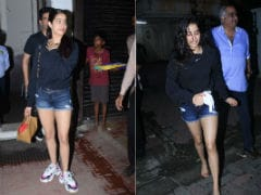Just Like Cinderella, Janhvi Kapoor Lost Her Shoes Somewhere...