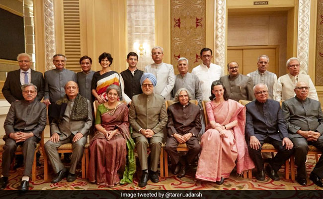Anupam Kher Posts Pic Of 'Political Cast' Of The Accidental Prime Minister