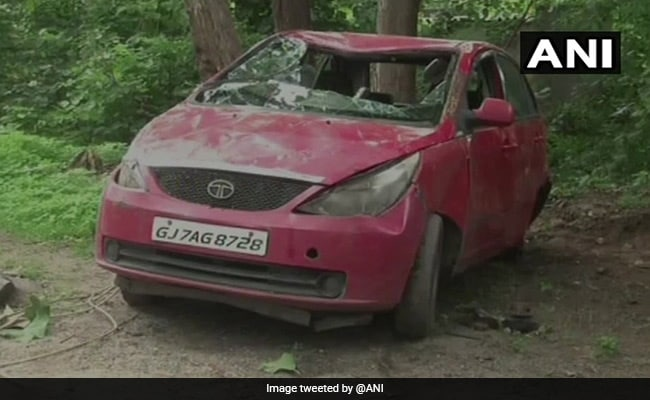 गुजरात के पंचमहल में कार अनियंत्रित होकर नाले में गिरी, एक ही परिवार के 7 बच्चों की मौत