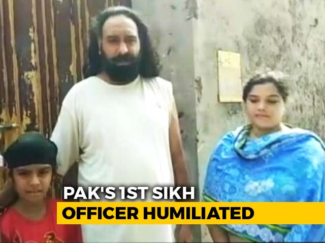 Video : Sikh Cop Alleges Turban Removed, Dragged By Hair From Home In Lahore