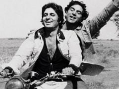 Friendship Day: <I>Yeh Dosti</i> Dharmendra And Amitabh Bachchan <I>Nahi Todenge</i>. <I>Sholay</i> Throwback